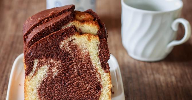Recette de gâteau au chocolat noir, vanille et citron façon marbré