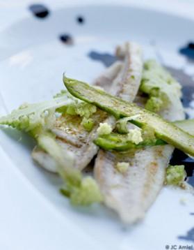 Filets de carrelet, asperges vertes, romanesco pour 4 personnes ...