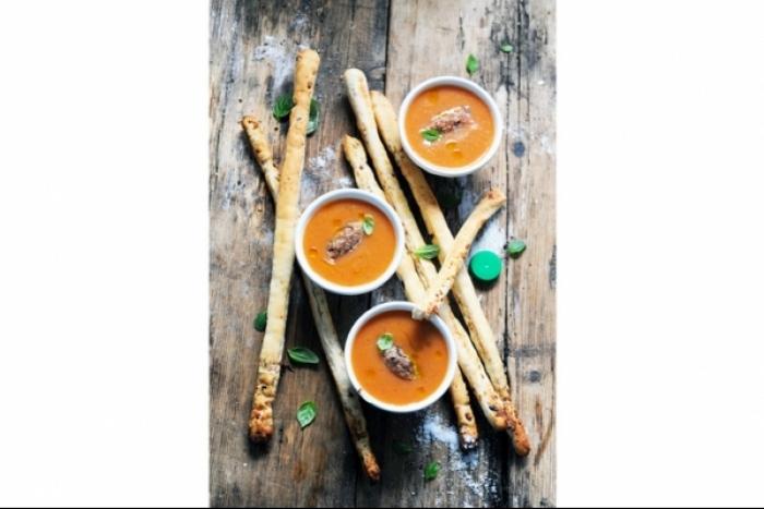 Recette de gressins et soupe froide tomate menthe basilic alvalle