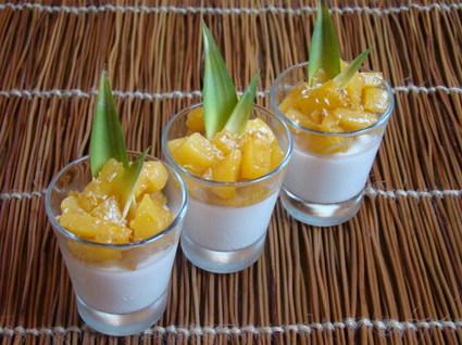 Recette de panna cotta coco citron vert, ananas caramélisé vanille ...