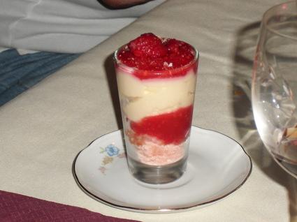 Recette de mousse de fromage blanc à la gelee de fruits rouges