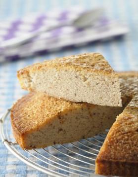 Gâteau de crêpes à l'ananas confit, sauce pina colada pour 8 ...