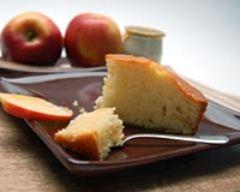Recette gâteau minute au yaourt et aux pommes