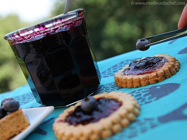 Confiture à la myrtille  la recette avec photos  meilleurduchef.com