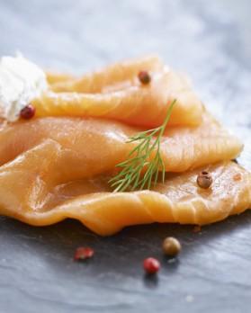 Salade au saumon à la vinaigrette d'agrumes pour 4 personnes ...