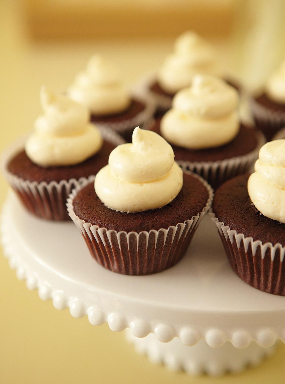 Mini-cupcakes surprises au chocolat | ricardo