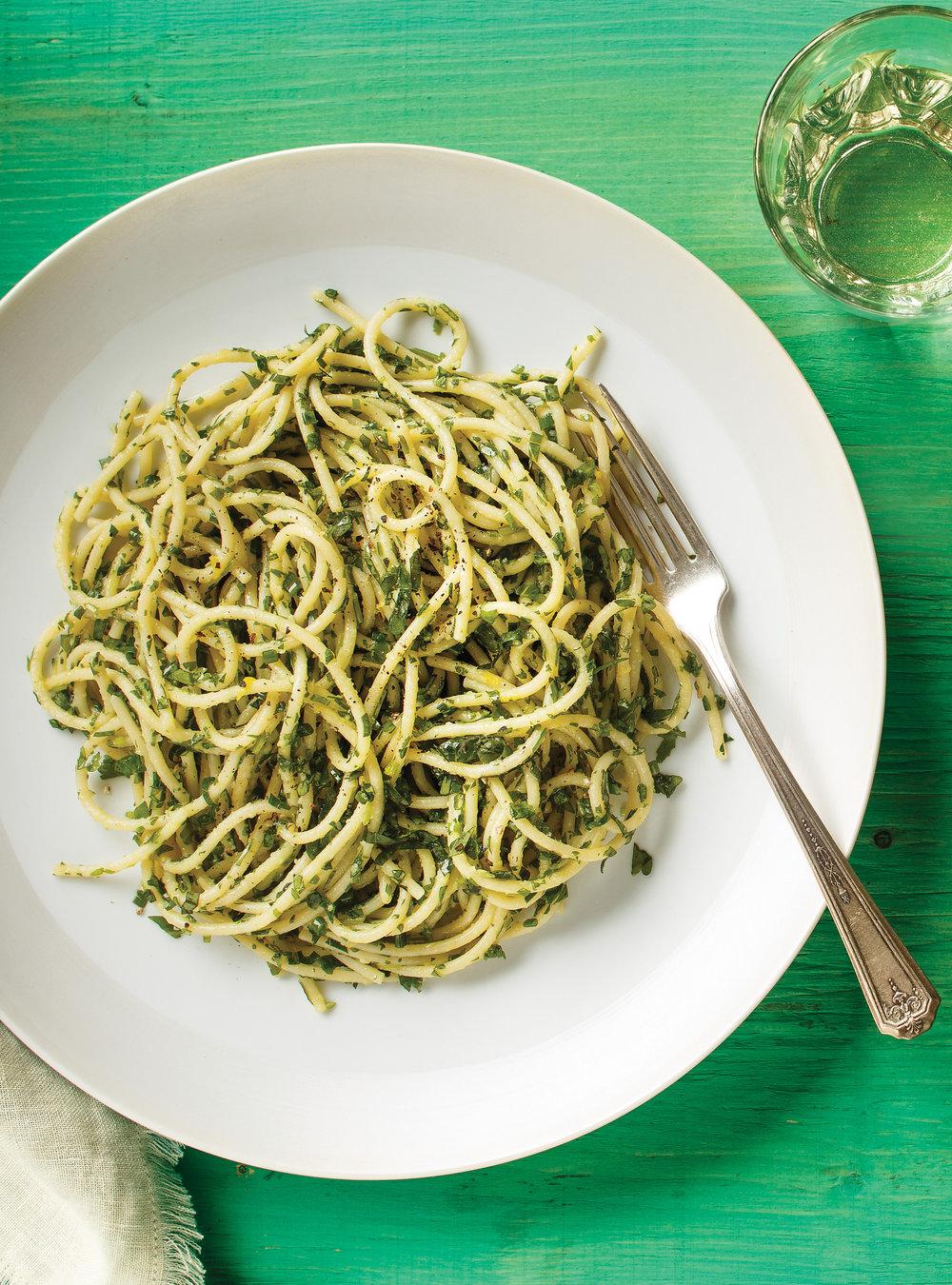 Spaghettis aux mille herbes | ricardo