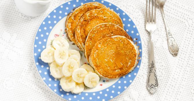 Recette de pancakes à la purée de banane sans farine pour régime ...
