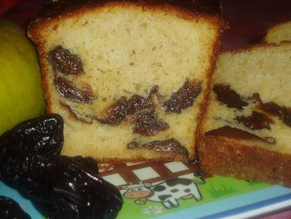 Recette de cake pommes-pruneaux au calvados