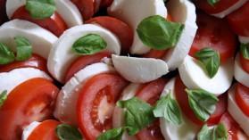 Salade tomate-mozzarella pour 4 personnes