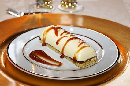 Bûchette de noël vanille coeur coulant caramel au beurre salé et ...