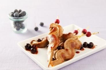 Recette de brochettes de canard sauce aigre-douce à la myrtille ...