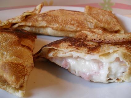 Recette de crêpes à la béchamel, jambon blanc et fromage